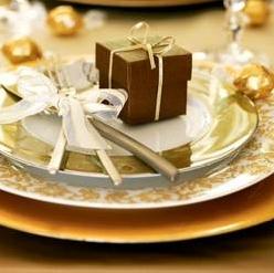 Выбор посуды для праздничного стола