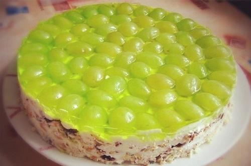 Рецепт простого торта «Виноградинка»